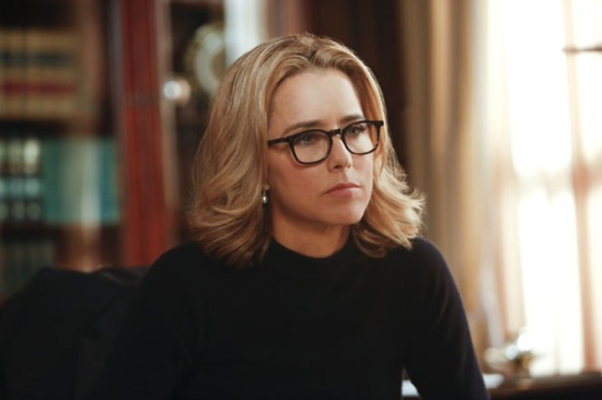 Téa Leoni stars as Elizabeth McCord, the newly-appointed Secretary of State, on MADAM SECRETARY, premiering on CBS, Sunday, Sept. 21 (8:30-9:30 PM, ET/PT). Photo: Craig Blankenhorn/CBS ©2014 CBS Broadcasting, Inc. All Rights Reserved