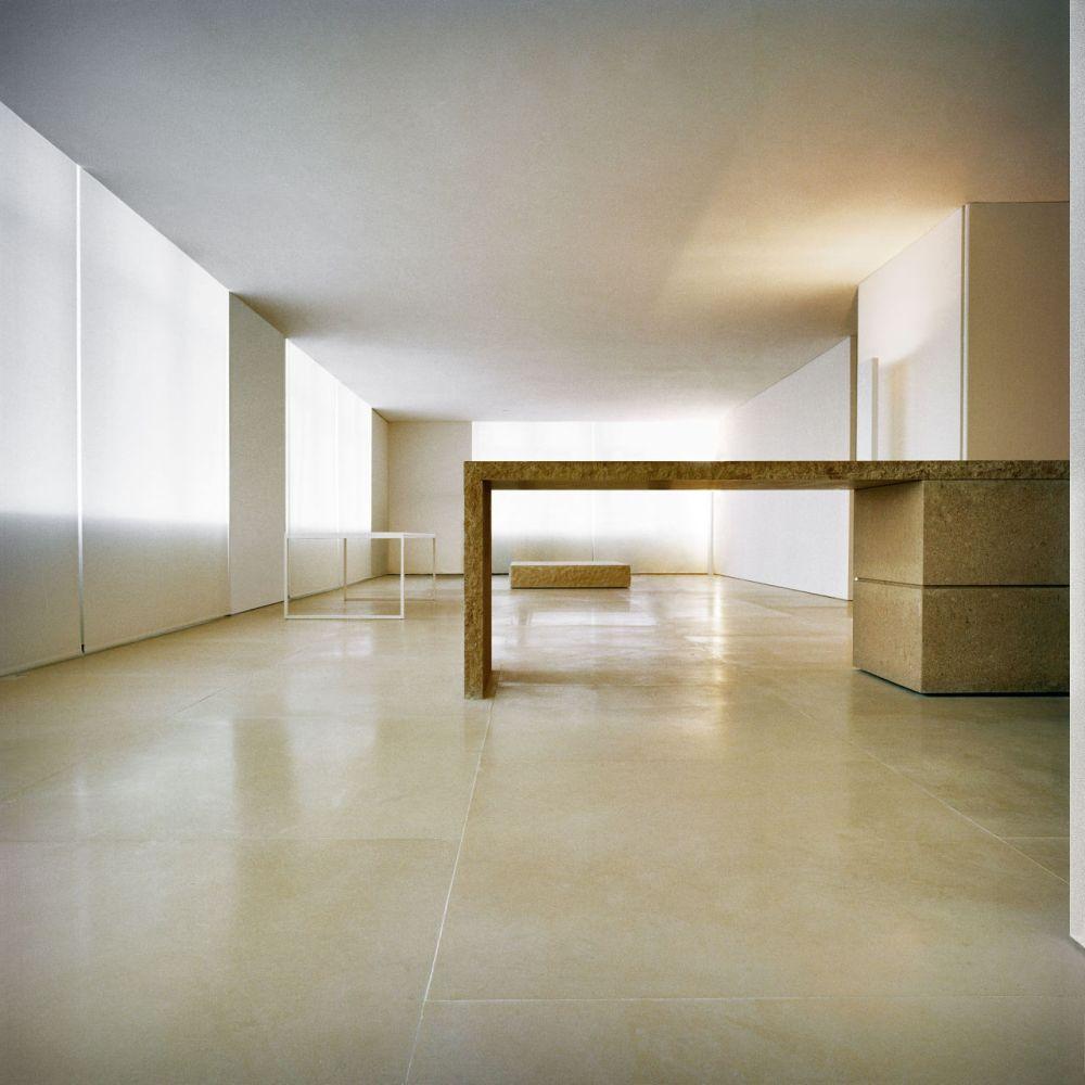 gallery-1446576478-hbz-kanye-west-loft-inspo-02