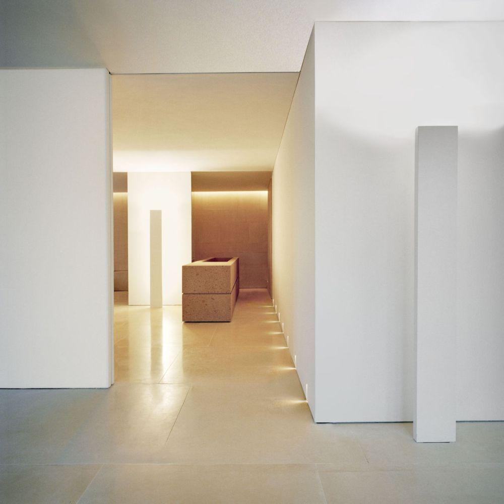 gallery-1446576569-hbz-kanye-west-loft-inspo-03