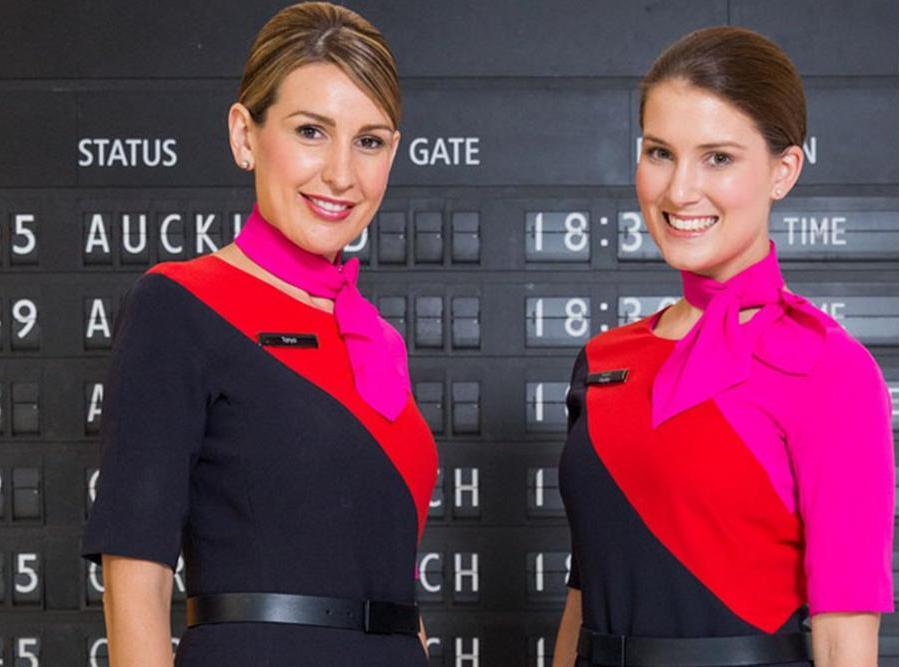 qantas-2-ladies-uniform